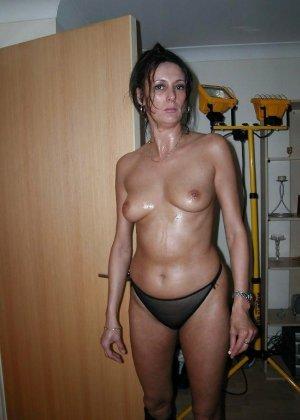 Опытные дамочки ублажают нескольких мужчин – впрочем, они и сами получают от этого удовольствие - фото 6