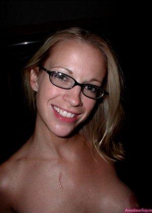 Опытная блондинка умеет перевоплощаться и всегда быть разной, но при этом очень сексуальной - фото 10