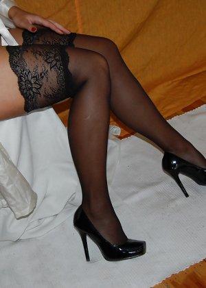 Раскрепощенная и гламурная чертовка хвастается своим сексуальным телом - фото 47