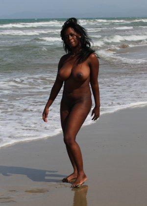 Приватные фото симпатичных, обнаженных негритянок - фото 2