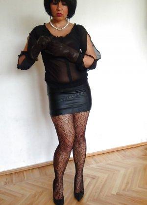 Раскрепощенная и гламурная чертовка хвастается своим сексуальным телом - фото 38