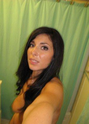 Любительская фото сессия сногсшибательной латиноамериканской девушки - фото 66