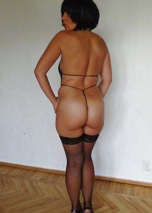 Раскрепощенная и гламурная чертовка хвастается своим сексуальным телом - фото 52