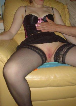 Зрелая женщина готова ублажать мужчин – иногда она справляется сразу с несколькими, но при этом и сама получает удовольствие - фото 7