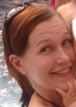 Кэти похожа на мужчину – возможно в этом тайна тех фотографий, где виден мужской член на фоне женских туфель - фото 21