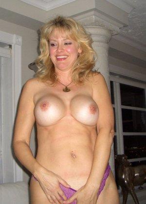 Блондинка обладает соблазнительной внешностью, поэтому она может совратить кого угодно - фото 28