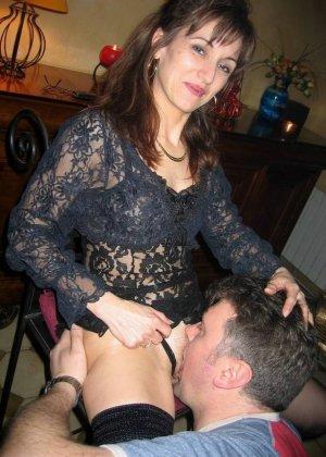 Любительский разврат с молоденькими обнаженными сучками - фото 64