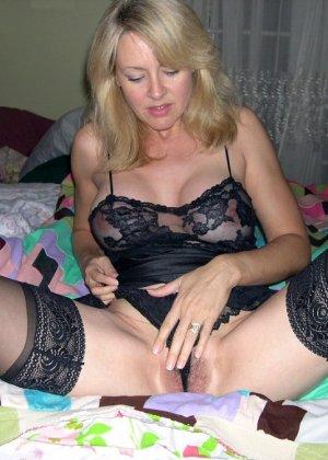 Блондинка обладает соблазнительной внешностью, поэтому она может совратить кого угодно - фото 34