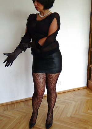 Раскрепощенная и гламурная чертовка хвастается своим сексуальным телом - фото 27