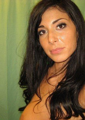 Любительская фото сессия сногсшибательной латиноамериканской девушки - фото 64