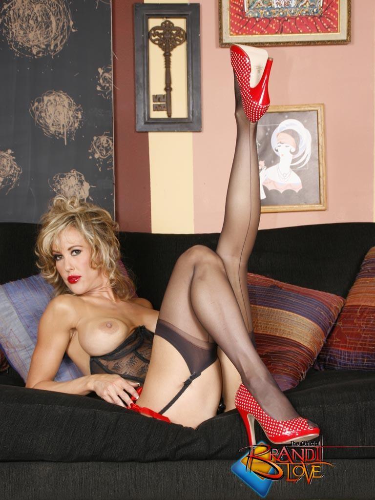 Бренди Лов в сексуальном нижнем белье
