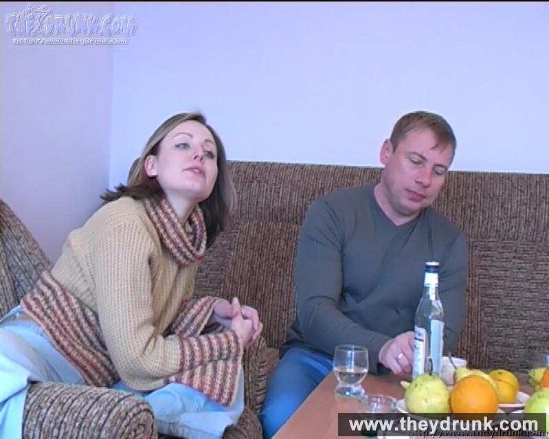 Пьяной блондинке захотелось пососать и потрахаться