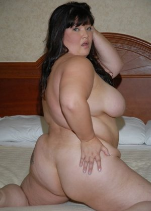Толстая азиатка скачет на хую - фото 11