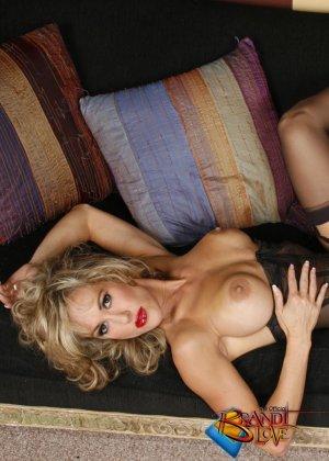 Бренди Лов в сексуальном нижнем белье - фото 12