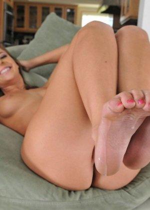 Кончил на красивые ноги Пресли Харт - фото 15