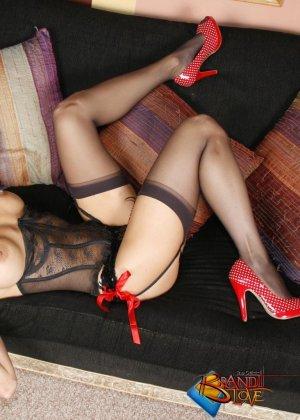 Бренди Лов в сексуальном нижнем белье - фото 10