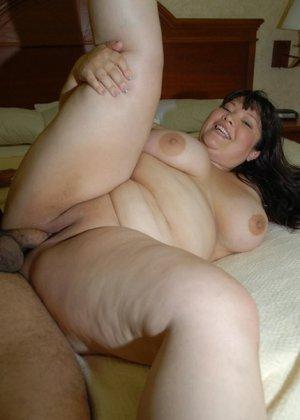 Толстая азиатка скачет на хую - фото 13