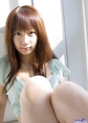 Японская очаровашка Хина Куруми показала сиськи - фото 5