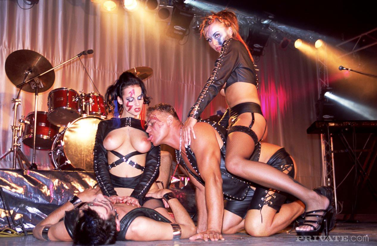 Порно концерти