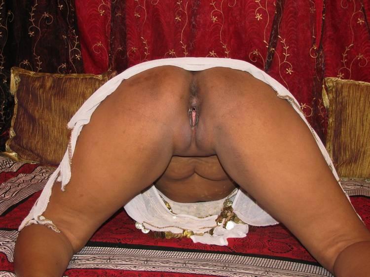 порно фото попы индусок