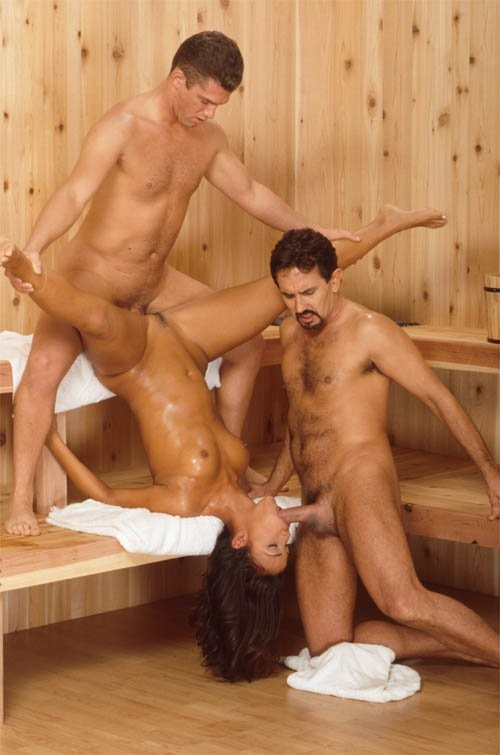 эротические фото в бане крупным планом