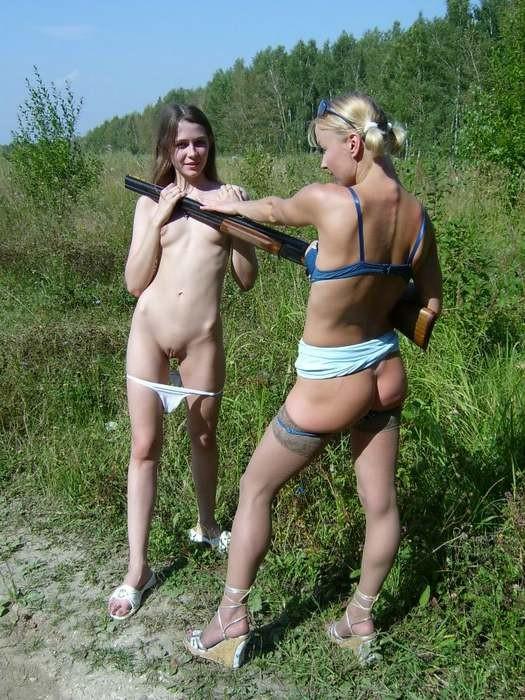 Порно на охоте в лесу