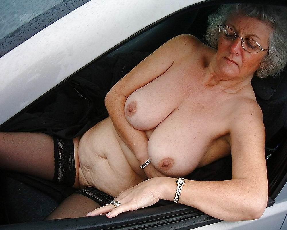 starie-golie-babushki-seks