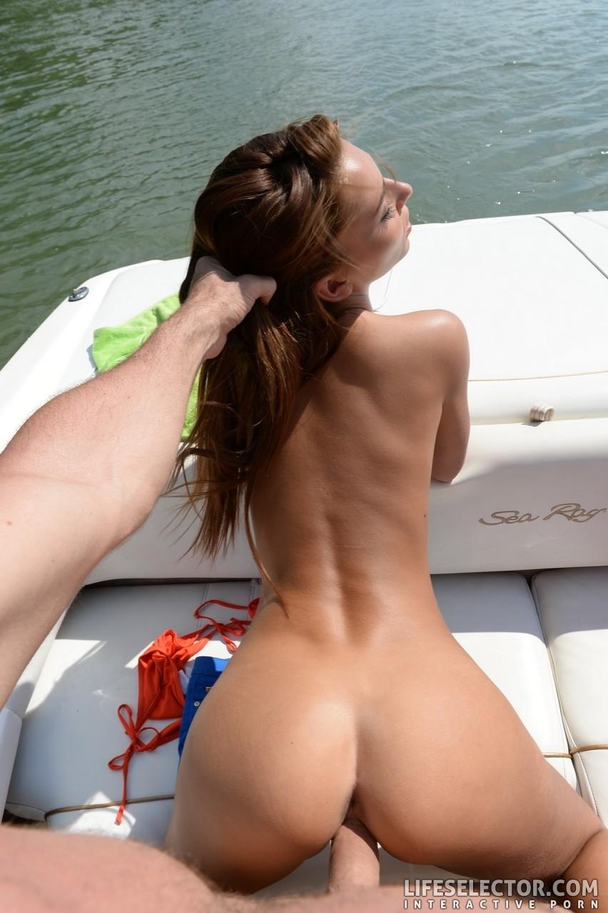 Покатал на лодке Алексис и выебал ее