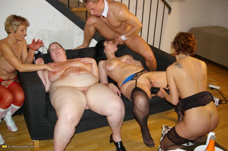 группой секс с пожилыми женщинами