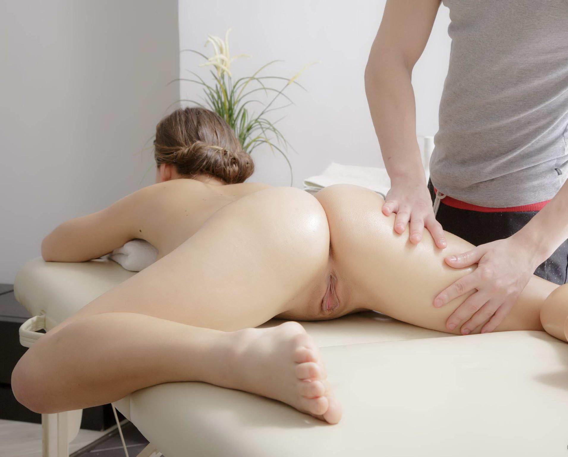 sdelal-mamke-porno-massazh