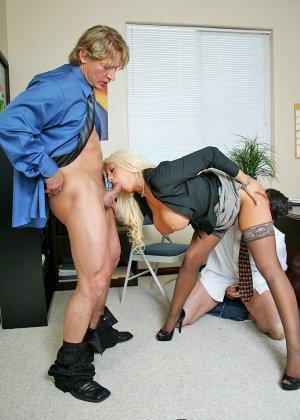 Групповой секс с секретаршей