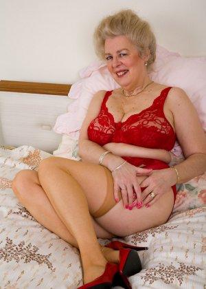 порно фото бабулек в чулках