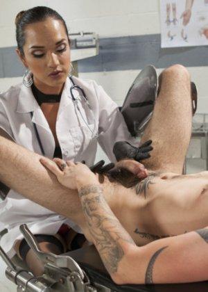 У женщины врача уролога порно — pic 9