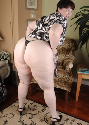бабушка с большой задницей порно