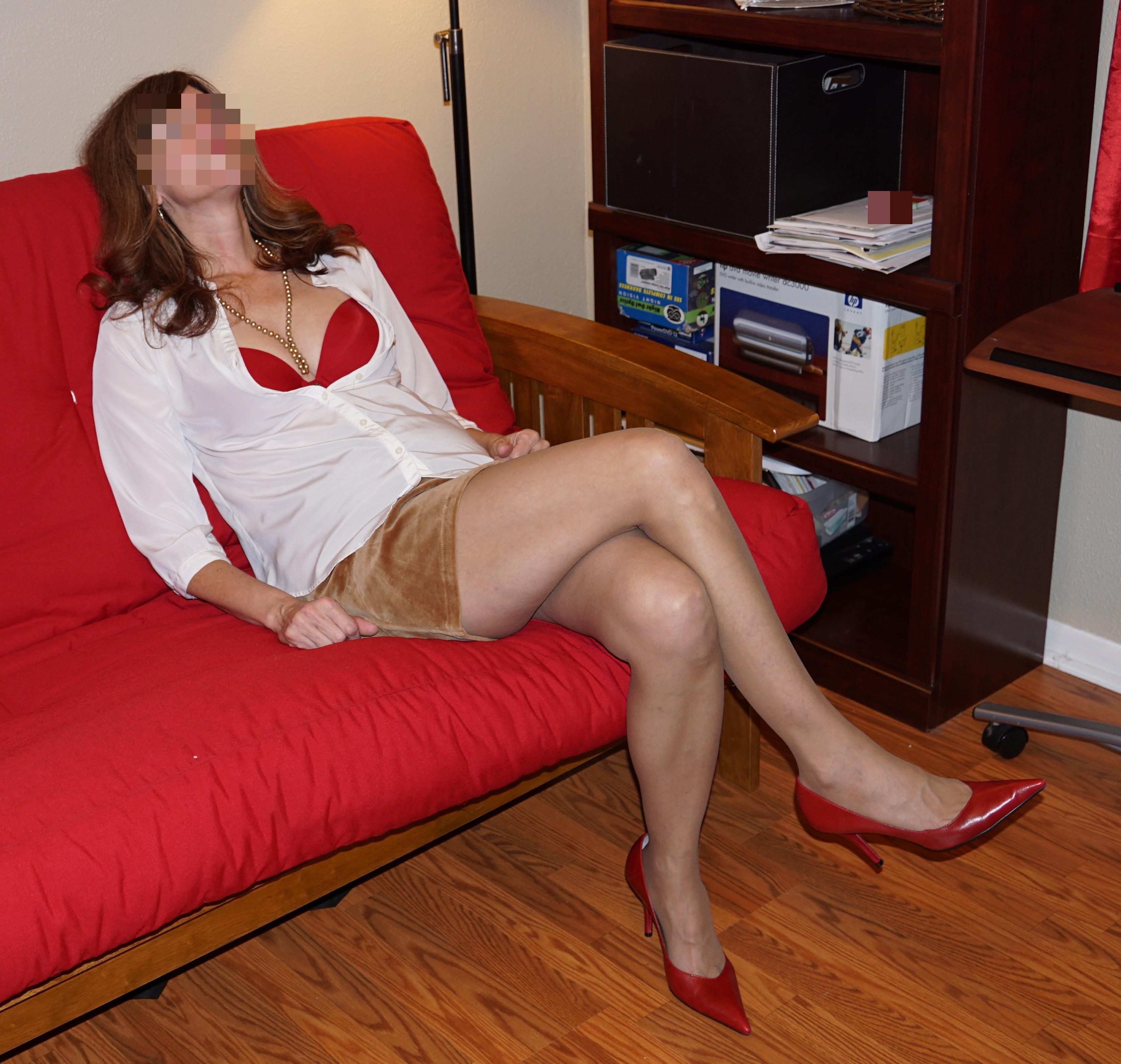 фото галерея раздевания порно
