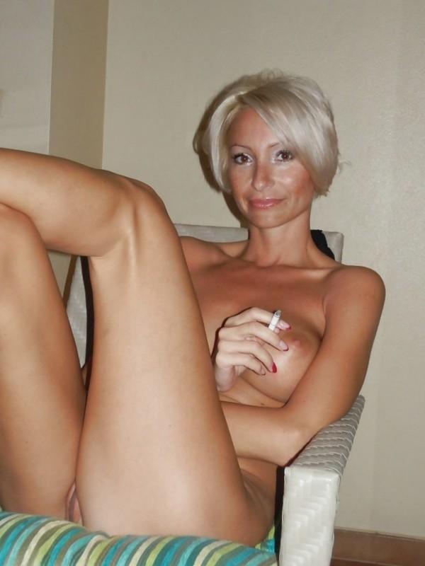 видео домашнее блондинка с сиськами