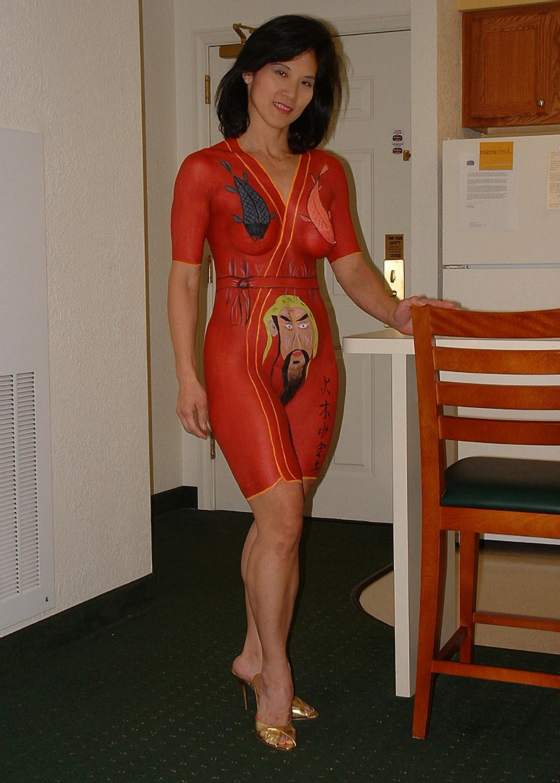 Зрелая азиатка в интересном нижнем белье