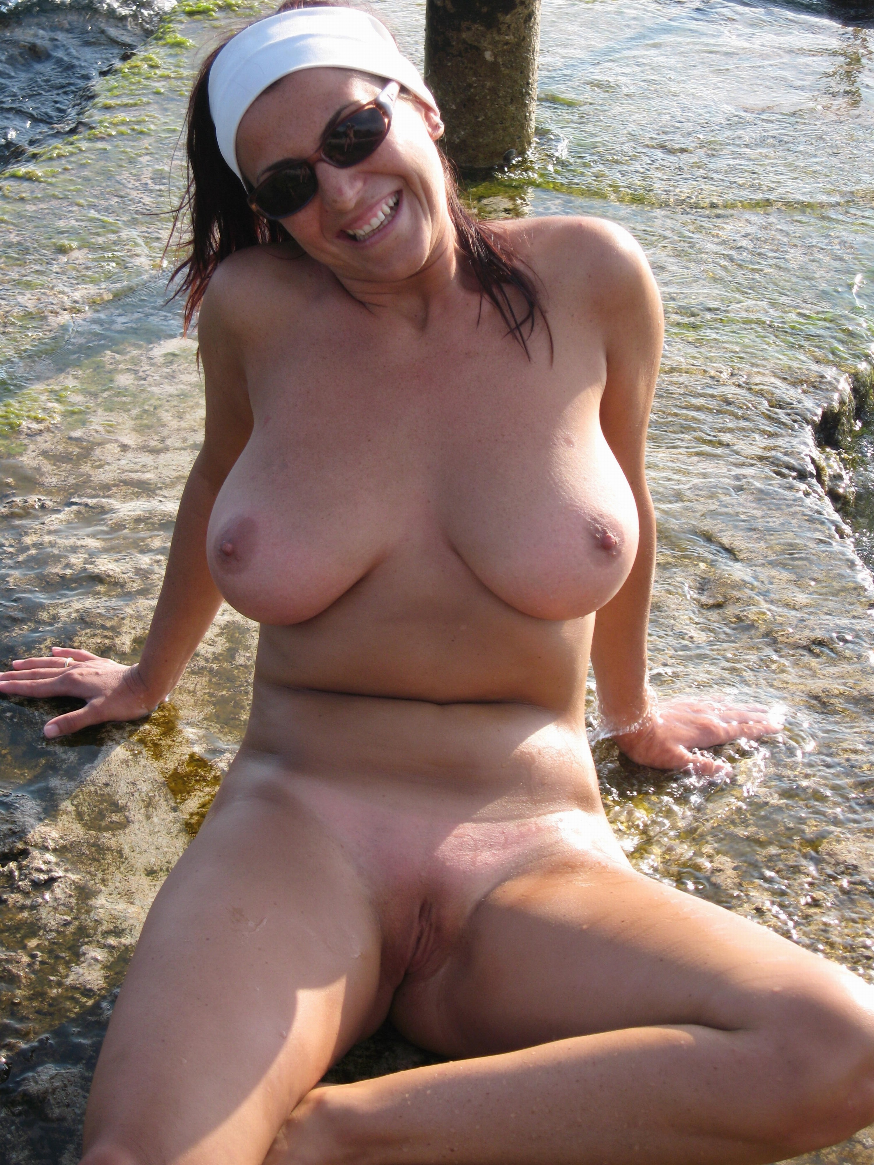 Amateur babe jannas public masturbation and outdoor dildo toying by daring 4