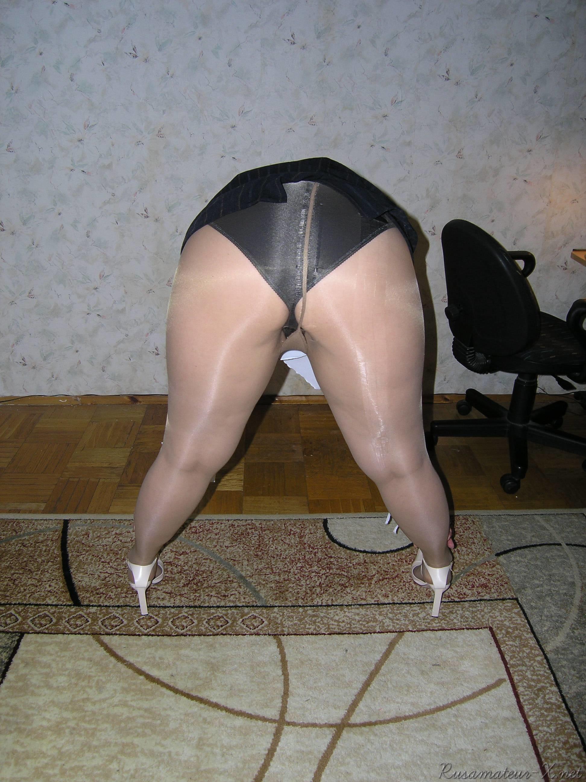 Под юбкой в толстушек порно