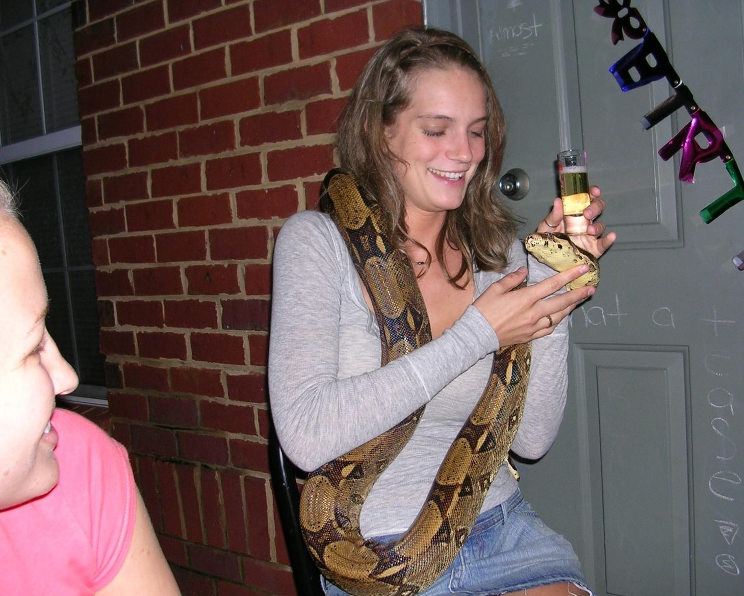 Вечеринка со змеей