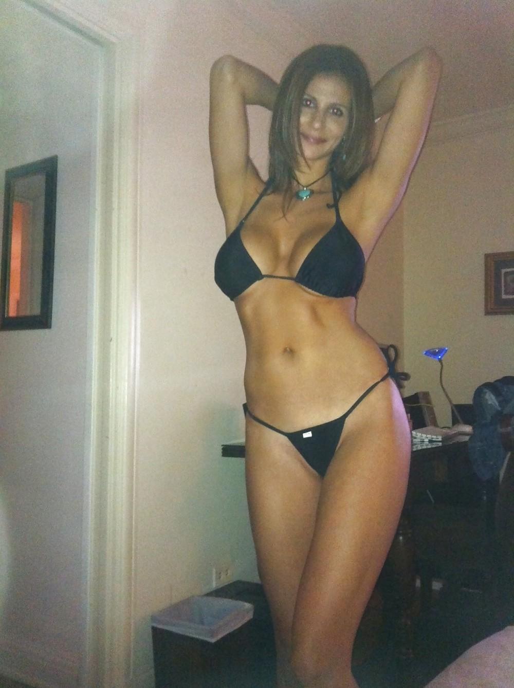 Ошеломительное голое тело девушки из Аргентины