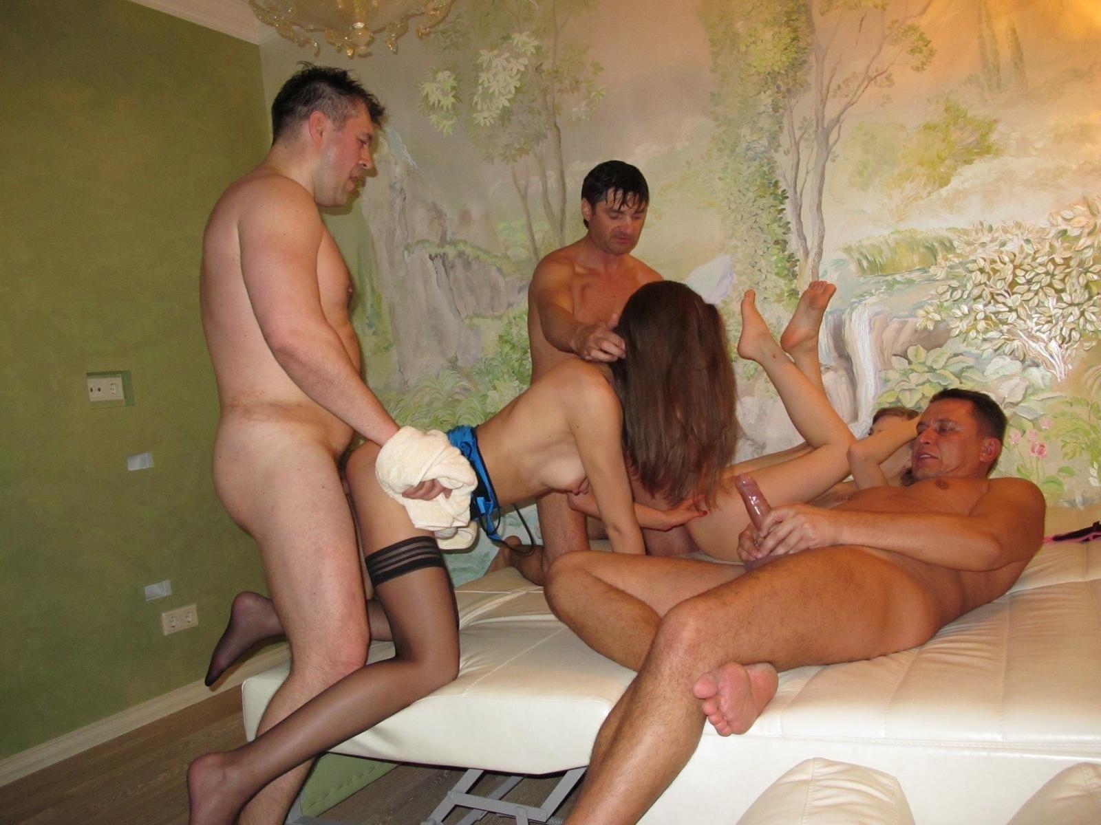 Секс ебут чужое жену русская