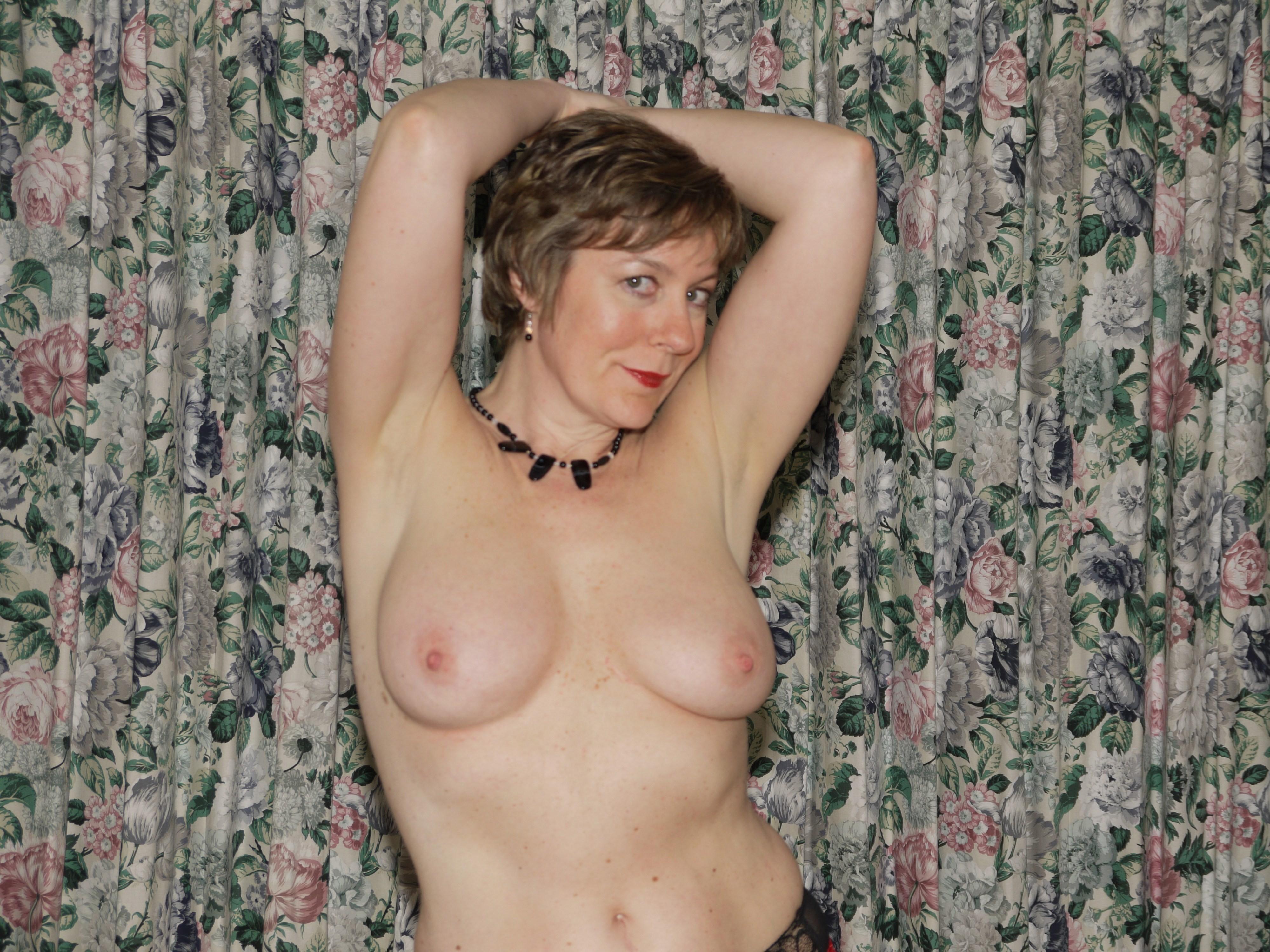 Фото голых зрелых тётак, Зрелые женщины: порно фото на Возбуждает! 13 фотография