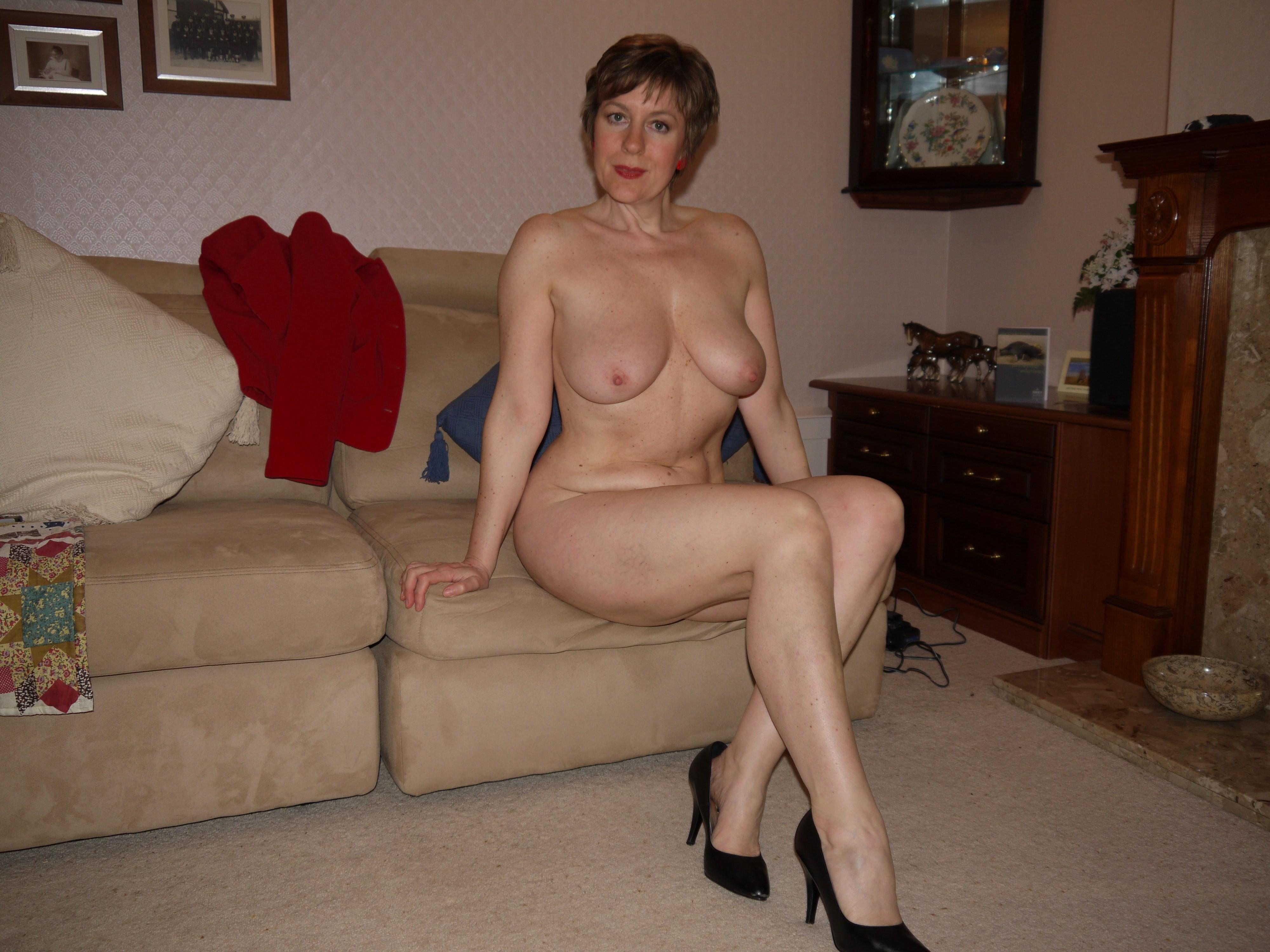 Смотреть фото голые тетки, Частное порно фото голых зрелых женщин, голые зрелки 11 фотография