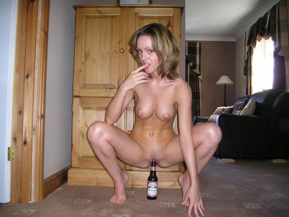 Фото голых девушек в подвале, В подвале с голой грудью -фото домашнее порно 10 фотография