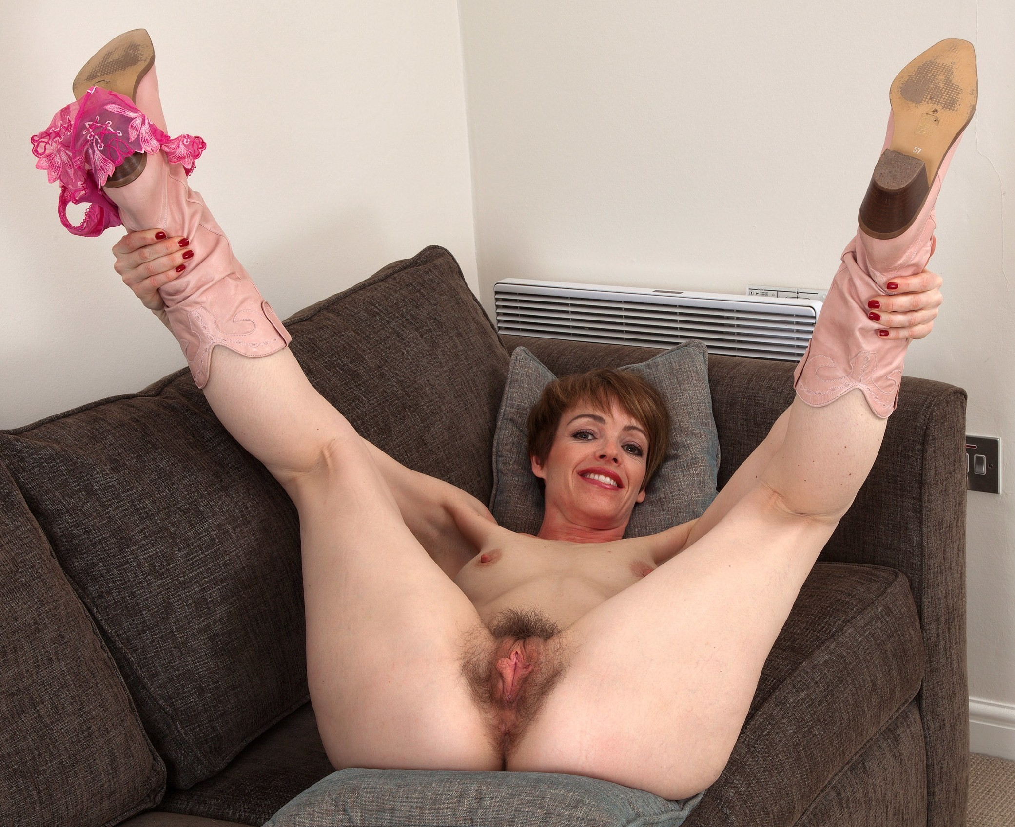 masturbiruet-mohnatku