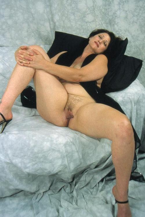 polnaya-dama-ishet-seks-partnera