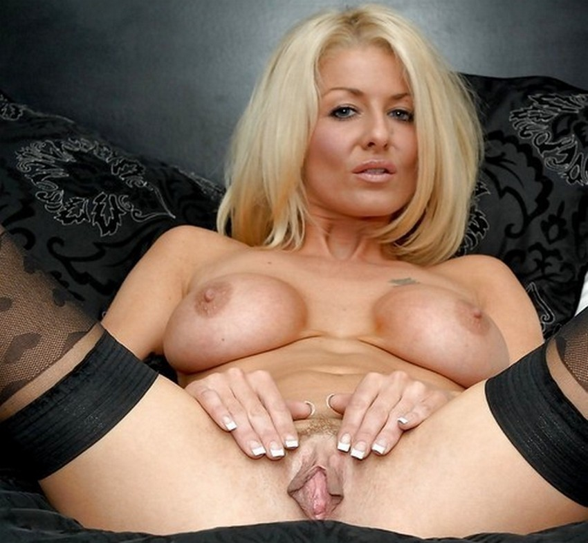 Super sexy georgeous milf