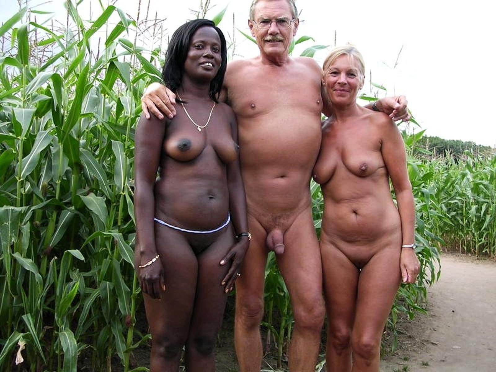 Семейные фото голыми, Голые семейные парыфото девушек и парней 9 фотография