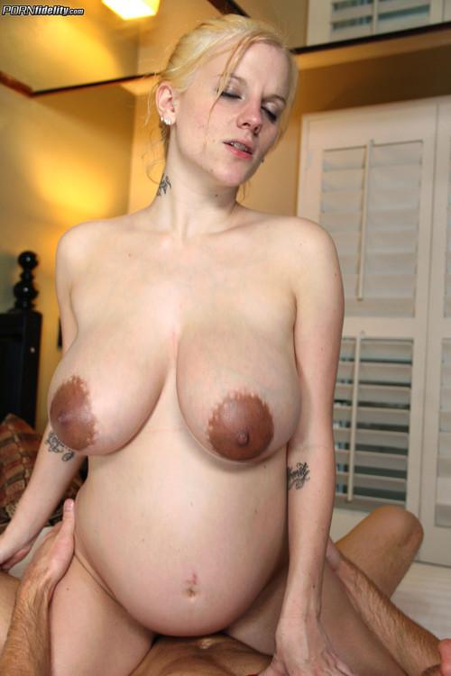 Preg small boobs